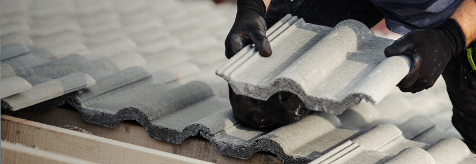 a hand setting tile roofing tiles